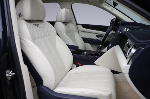 Used 2017 Bentley Bentayga W12 for sale $129,900 at Maserati of Westport in Westport CT 06880 27