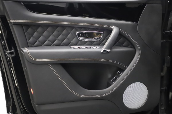 Used 2018 Bentley Bentayga Activity Edition for sale $155,900 at Maserati of Westport in Westport CT 06880 17