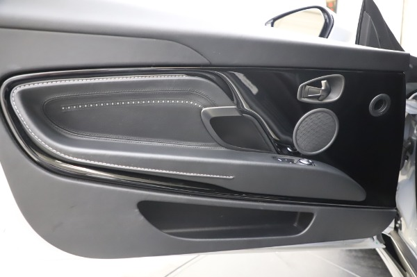 Used 2018 Aston Martin DB11 V8 Coupe for sale Sold at Maserati of Westport in Westport CT 06880 17