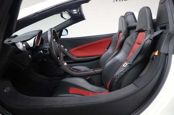 Used 2016 McLaren 650S Spider for sale $152,900 at Maserati of Westport in Westport CT 06880 24