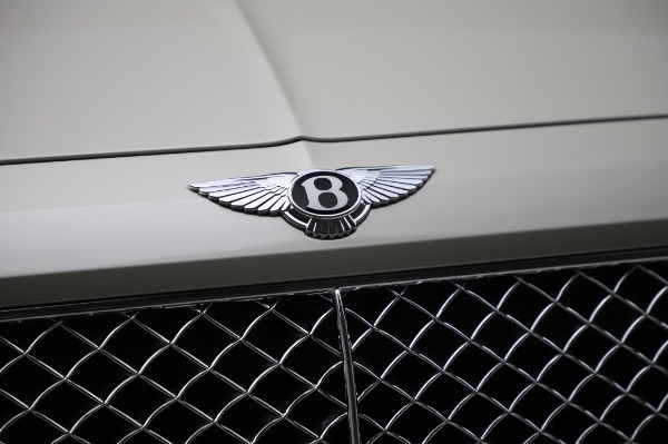 Used 2018 Bentley Bentayga Onyx Edition for sale Call for price at Maserati of Westport in Westport CT 06880 14