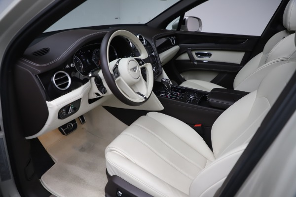 Used 2018 Bentley Bentayga Onyx Edition for sale Call for price at Maserati of Westport in Westport CT 06880 17