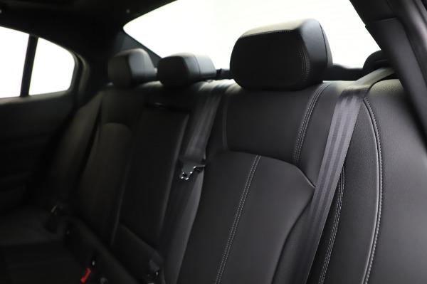 New 2020 Alfa Romeo Giulia Sport Q4 for sale $48,895 at Maserati of Westport in Westport CT 06880 17