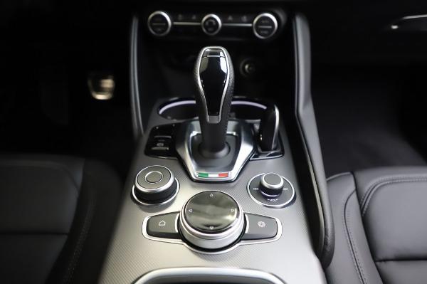 New 2020 Alfa Romeo Giulia Sport Q4 for sale $48,895 at Maserati of Westport in Westport CT 06880 20
