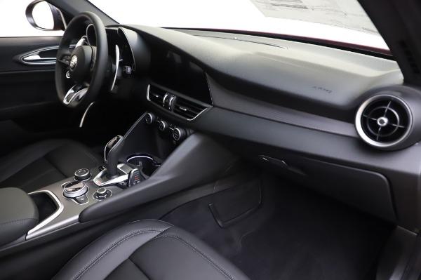 New 2020 Alfa Romeo Giulia Sport Q4 for sale $48,895 at Maserati of Westport in Westport CT 06880 21