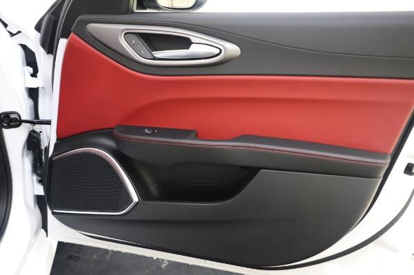 New 2020 Alfa Romeo Giulia Ti Sport Q4 for sale $46,495 at Maserati of Westport in Westport CT 06880 25