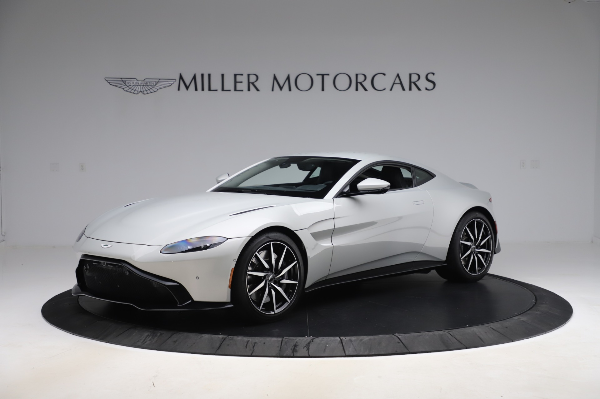 Used 2020 Aston Martin Vantage Coupe for sale $149,800 at Maserati of Westport in Westport CT 06880 1
