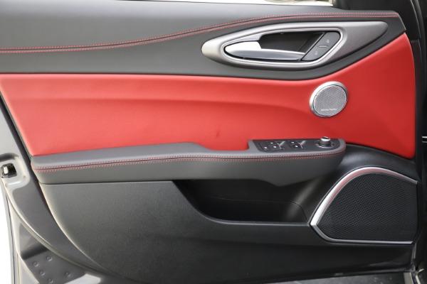 New 2020 Alfa Romeo Giulia Ti Sport Q4 for sale $48,595 at Maserati of Westport in Westport CT 06880 17