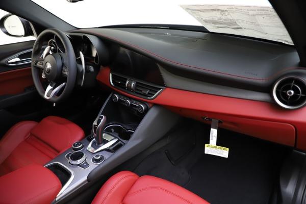 New 2020 Alfa Romeo Giulia Ti Sport Q4 for sale $48,595 at Maserati of Westport in Westport CT 06880 24