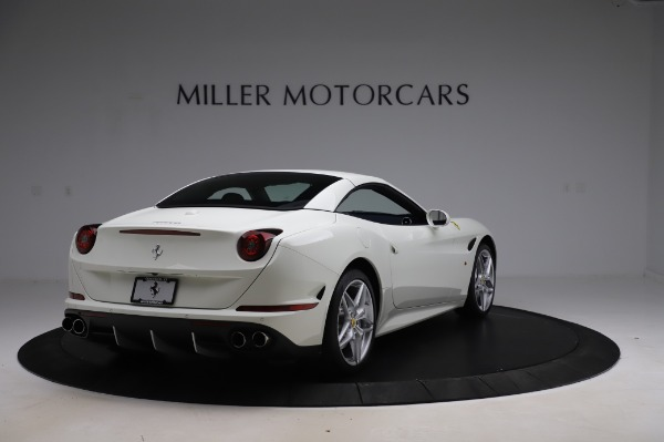 Used 2016 Ferrari California T for sale Sold at Maserati of Westport in Westport CT 06880 17