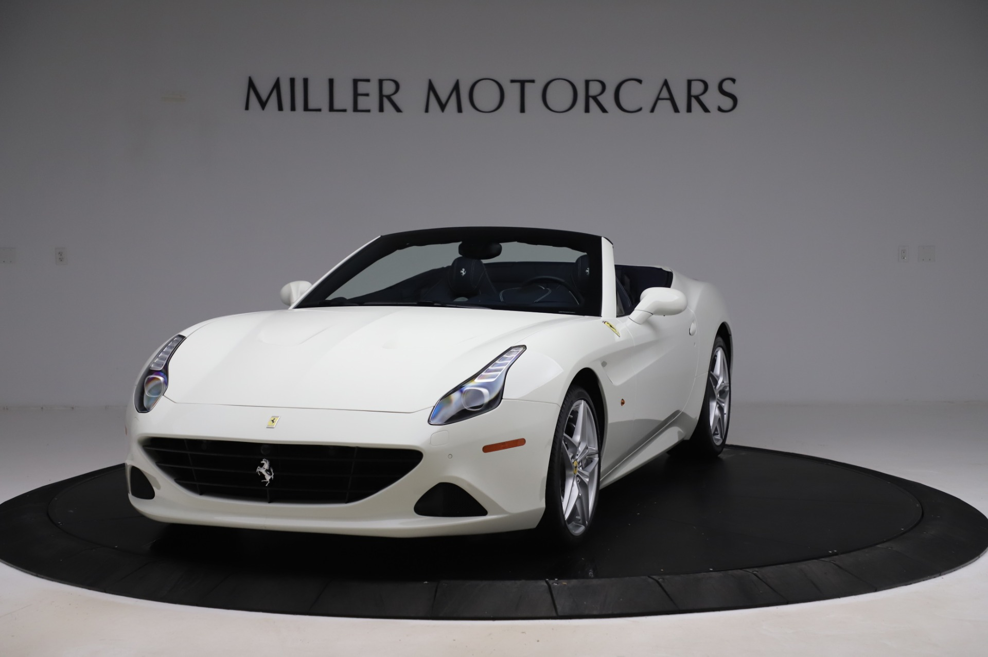 Used 2016 Ferrari California T for sale Sold at Maserati of Westport in Westport CT 06880 1