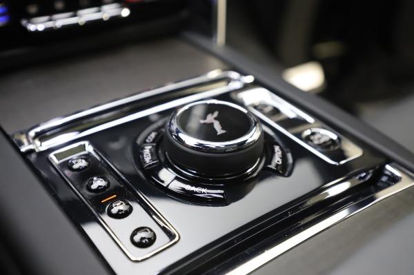 Used 2019 Rolls-Royce Cullinan Base for sale $349,900 at Maserati of Westport in Westport CT 06880 24