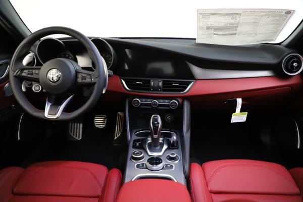 New 2020 Alfa Romeo Giulia Ti Sport Q4 for sale $52,395 at Maserati of Westport in Westport CT 06880 16