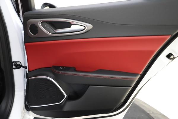 New 2020 Alfa Romeo Giulia Ti Sport Q4 for sale $52,395 at Maserati of Westport in Westport CT 06880 28