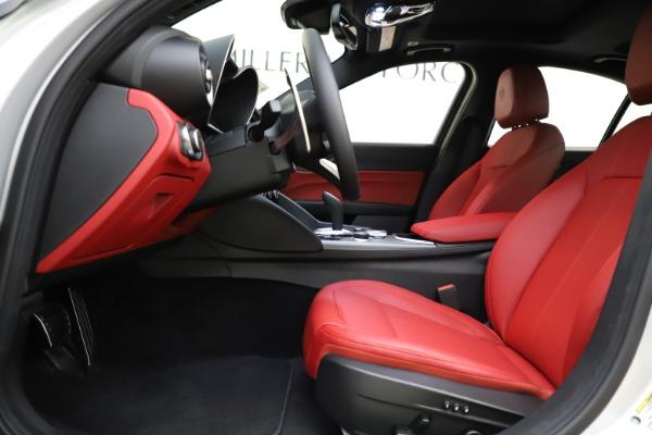 New 2020 Alfa Romeo Giulia Sport Q4 for sale $48,645 at Maserati of Westport in Westport CT 06880 14