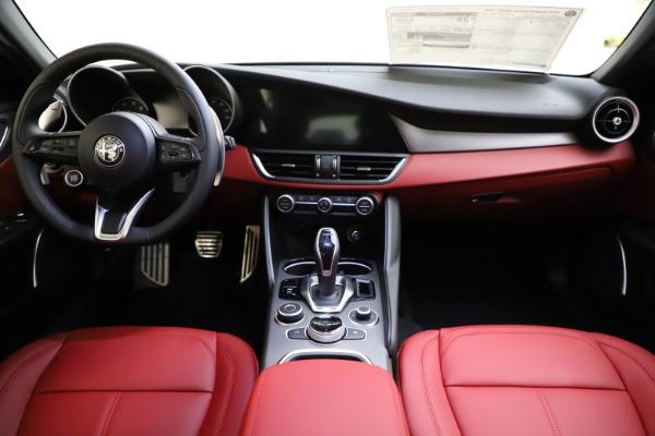 New 2020 Alfa Romeo Giulia Sport Q4 for sale $48,645 at Maserati of Westport in Westport CT 06880 16