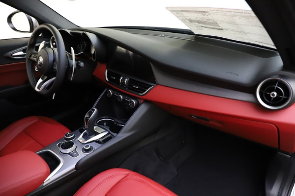 New 2020 Alfa Romeo Giulia Sport Q4 for sale $48,645 at Maserati of Westport in Westport CT 06880 23