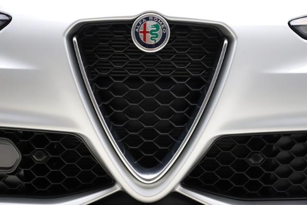 New 2020 Alfa Romeo Giulia Sport Q4 for sale $48,645 at Maserati of Westport in Westport CT 06880 27