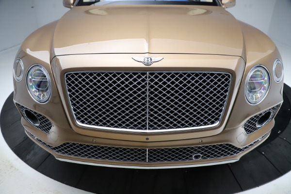 Used 2017 Bentley Bentayga W12 for sale $145,900 at Maserati of Westport in Westport CT 06880 13