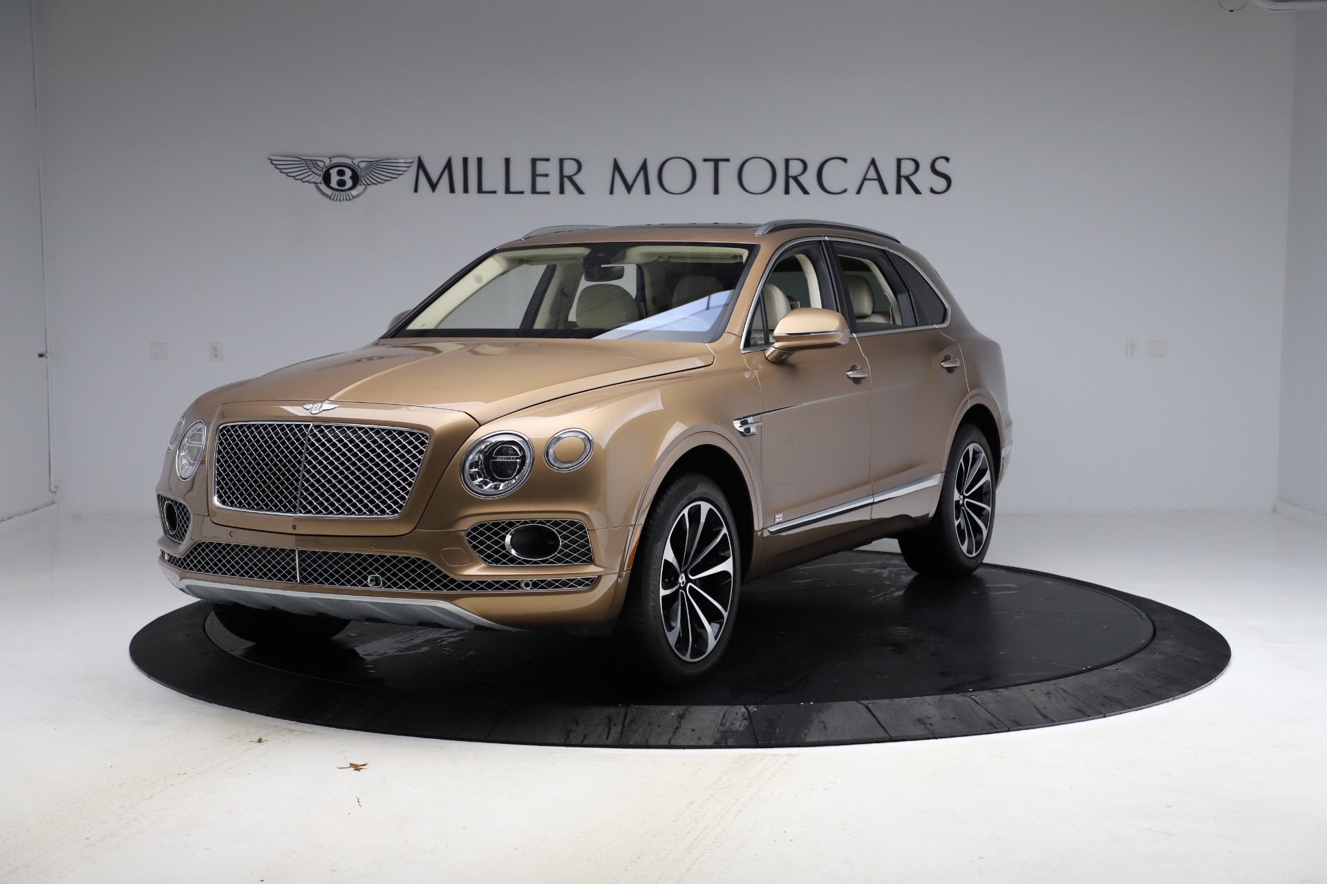 Used 2017 Bentley Bentayga W12 for sale $145,900 at Maserati of Westport in Westport CT 06880 1