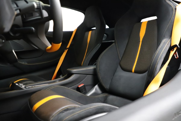 Used 2019 McLaren 570S for sale $177,900 at Maserati of Westport in Westport CT 06880 18
