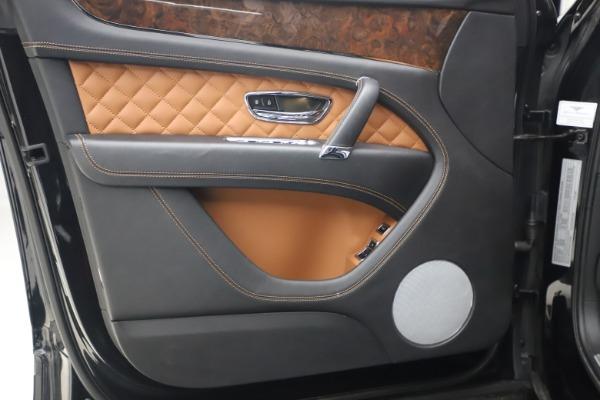 Used 2017 Bentley Bentayga W12 for sale Call for price at Maserati of Westport in Westport CT 06880 17