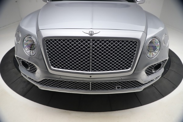 Used 2018 Bentley Bentayga W12 Signature Edition for sale $149,900 at Maserati of Westport in Westport CT 06880 14