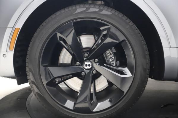 Used 2018 Bentley Bentayga W12 Signature Edition for sale $149,900 at Maserati of Westport in Westport CT 06880 16