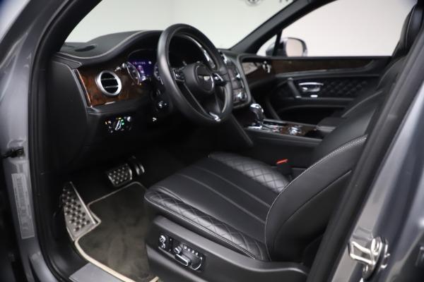 Used 2018 Bentley Bentayga W12 Signature Edition for sale $149,900 at Maserati of Westport in Westport CT 06880 18