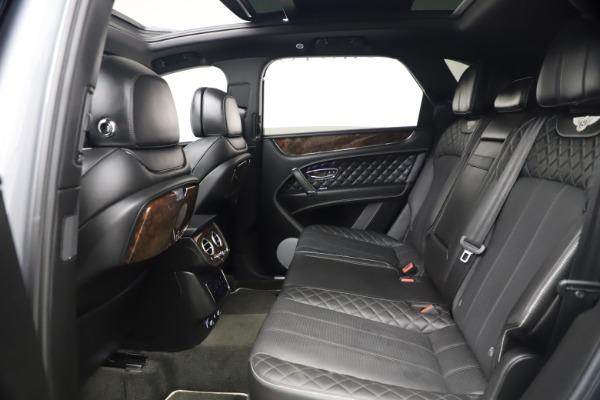 Used 2018 Bentley Bentayga W12 Signature Edition for sale $149,900 at Maserati of Westport in Westport CT 06880 23
