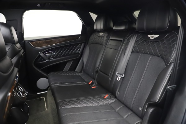 Used 2018 Bentley Bentayga W12 Signature Edition for sale $149,900 at Maserati of Westport in Westport CT 06880 24