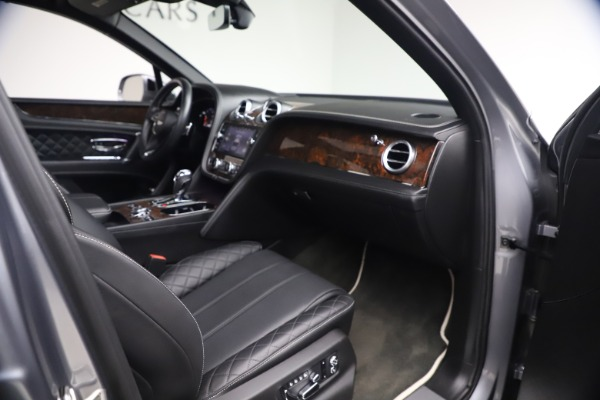 Used 2018 Bentley Bentayga W12 Signature Edition for sale $149,900 at Maserati of Westport in Westport CT 06880 26