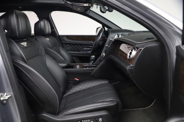 Used 2018 Bentley Bentayga W12 Signature Edition for sale $149,900 at Maserati of Westport in Westport CT 06880 27