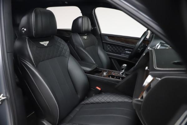 Used 2018 Bentley Bentayga W12 Signature Edition for sale $149,900 at Maserati of Westport in Westport CT 06880 28