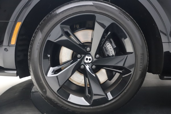 Used 2018 Bentley Bentayga Black Edition for sale $169,900 at Maserati of Westport in Westport CT 06880 15