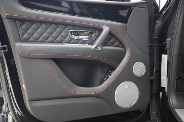 Used 2018 Bentley Bentayga Black Edition for sale $169,900 at Maserati of Westport in Westport CT 06880 16