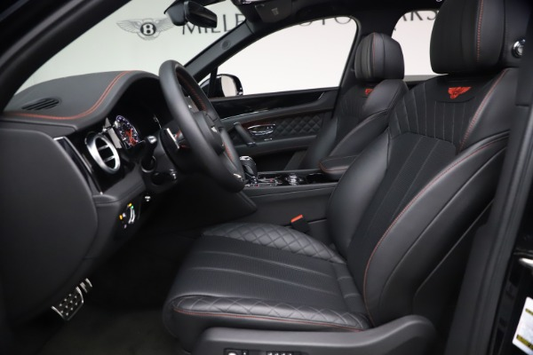 Used 2018 Bentley Bentayga Black Edition for sale $169,900 at Maserati of Westport in Westport CT 06880 18