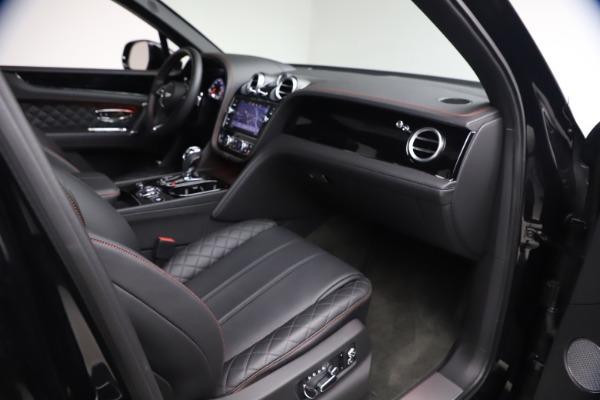Used 2018 Bentley Bentayga Black Edition for sale $169,900 at Maserati of Westport in Westport CT 06880 24