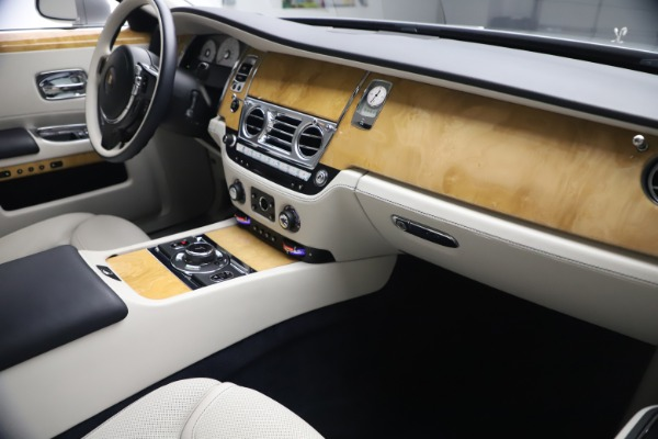 Used 2018 Rolls-Royce Ghost for sale $249,900 at Maserati of Westport in Westport CT 06880 17
