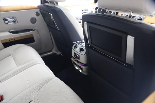 Used 2018 Rolls-Royce Ghost for sale $249,900 at Maserati of Westport in Westport CT 06880 20