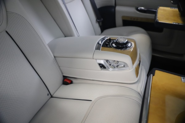 Used 2018 Rolls-Royce Ghost for sale $249,900 at Maserati of Westport in Westport CT 06880 24