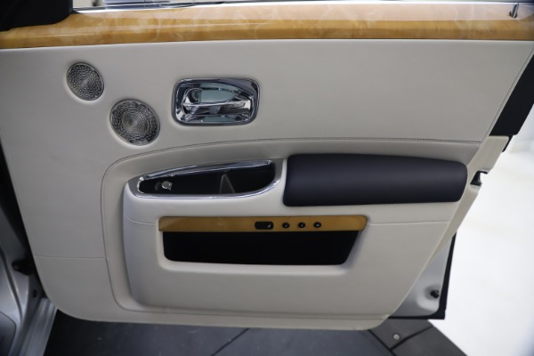 Used 2018 Rolls-Royce Ghost for sale $249,900 at Maserati of Westport in Westport CT 06880 25