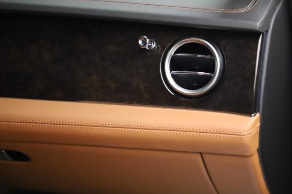 Used 2018 Bentley Bentayga W12 for sale $156,900 at Maserati of Westport in Westport CT 06880 27