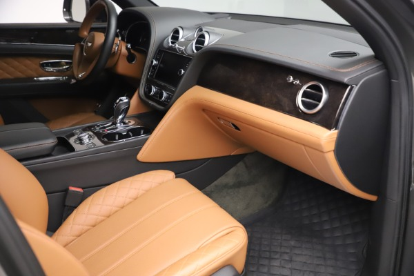 Used 2018 Bentley Bentayga W12 for sale $156,900 at Maserati of Westport in Westport CT 06880 28