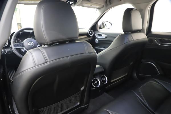 Used 2017 Alfa Romeo Giulia Ti Sport for sale $25,900 at Maserati of Westport in Westport CT 06880 24