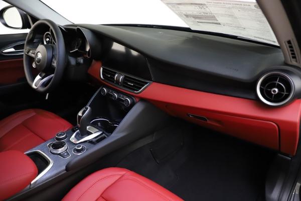 New 2021 Alfa Romeo Giulia Q4 for sale $48,035 at Maserati of Westport in Westport CT 06880 24