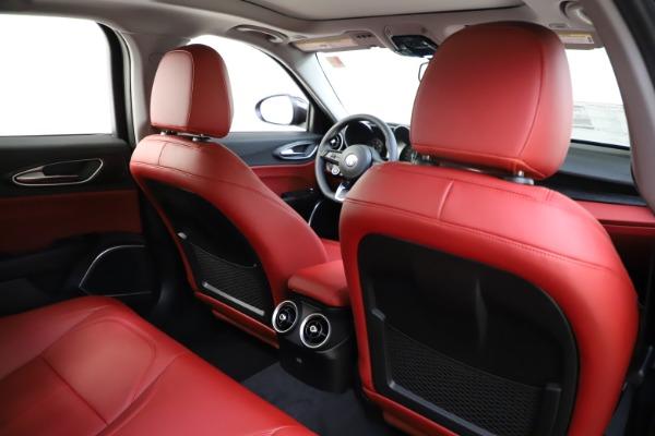 New 2021 Alfa Romeo Giulia Q4 for sale $48,035 at Maserati of Westport in Westport CT 06880 27
