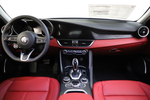 New 2021 Alfa Romeo Giulia Q4 for sale $48,035 at Maserati of Westport in Westport CT 06880 28
