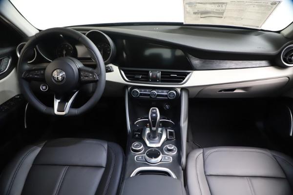 New 2021 Alfa Romeo Giulia Q4 for sale Call for price at Maserati of Westport in Westport CT 06880 15