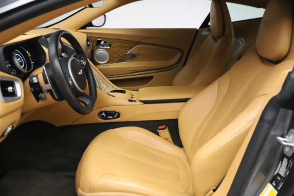 Used 2017 Aston Martin DB11 V12 Coupe for sale $149,900 at Maserati of Westport in Westport CT 06880 14